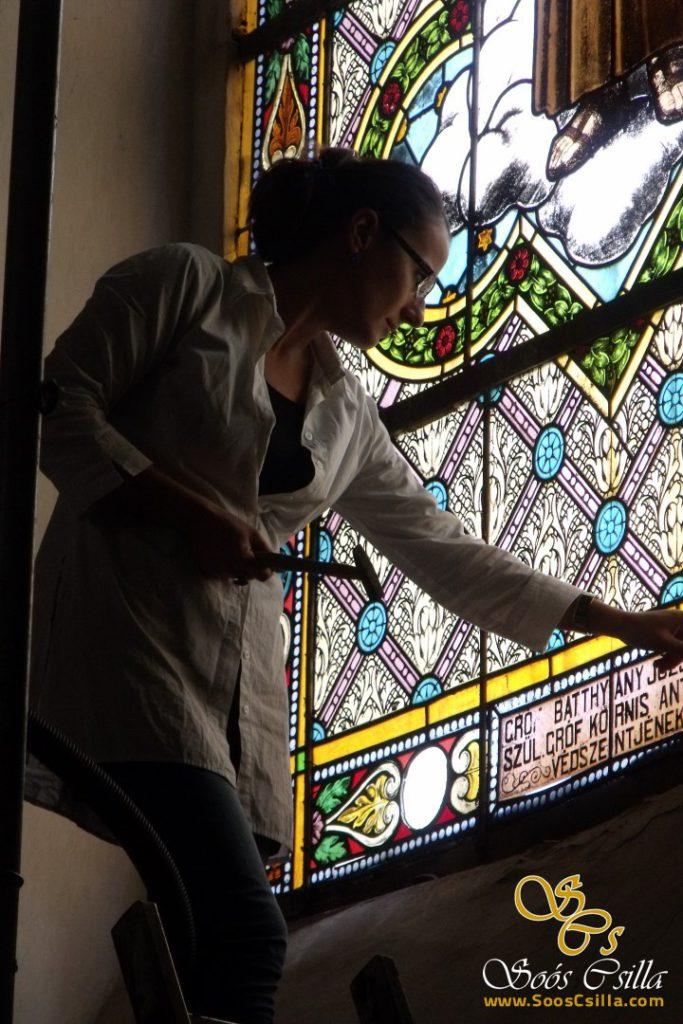 bunte-kirche-glasmalerei-bleiglasfenster-sakral-kirche-bleiverglasung-csilla-soos-restaurierung-reparatur-felbar (2)